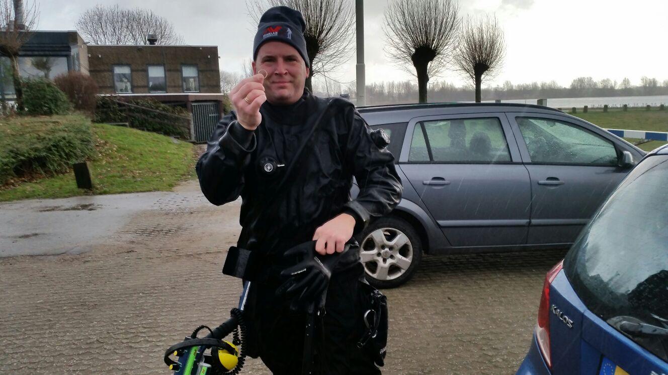 Rijkerswoerdse Plassen Geven Goud Terug Aan Eigenaar.