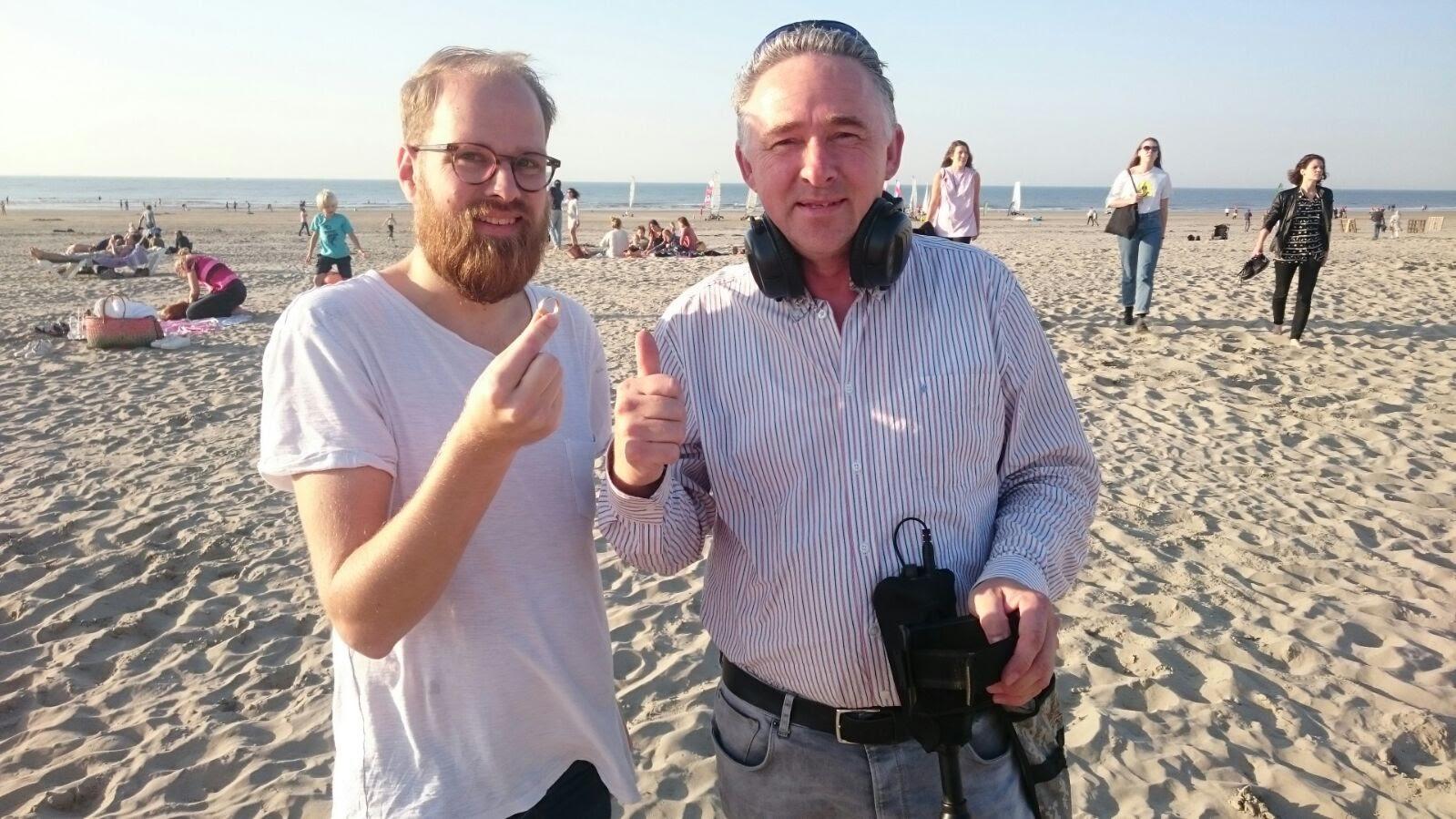 Trouwring Terug Uit Het Zand Bij Wijk Aan Zee Met De Metaaldetector