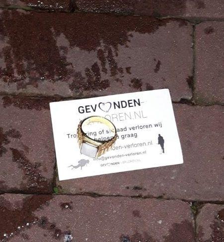 Duiken In Het Donker In De Amsterdamse Gracht Hartje Centrum