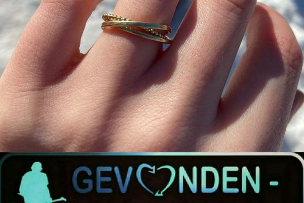 Ring verloren in de sneeuw, stichting gevonden-verloren kan helpen