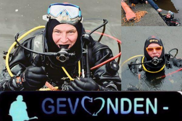 Nautisch beheer Amsterdam ondersteund duikers gevonden-verloren bij het terugvinden dierbaar verloren items