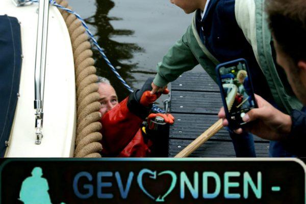 Items in het water gevallen? Gevonden-verloren.nl. Wij kunnen u wellicht helpen